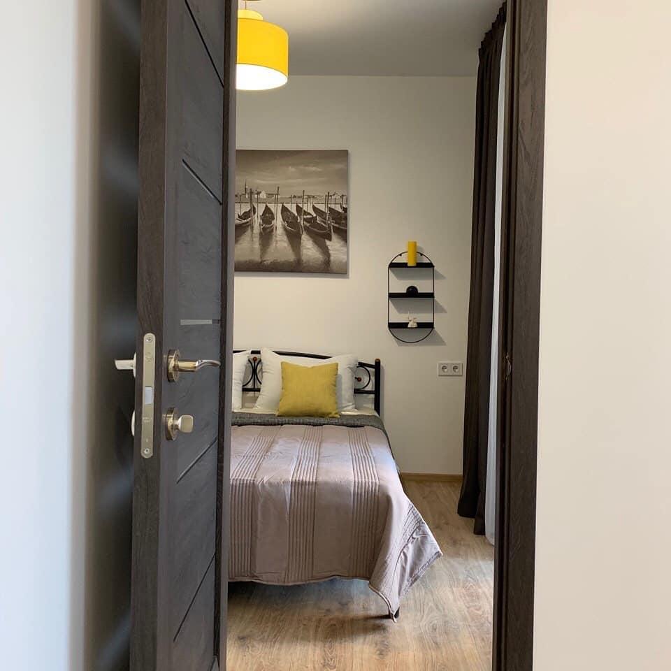 Дизайн проект квартира студия с одной спальней, желтая ЖК ФайнаТаун, Киев | фото 4